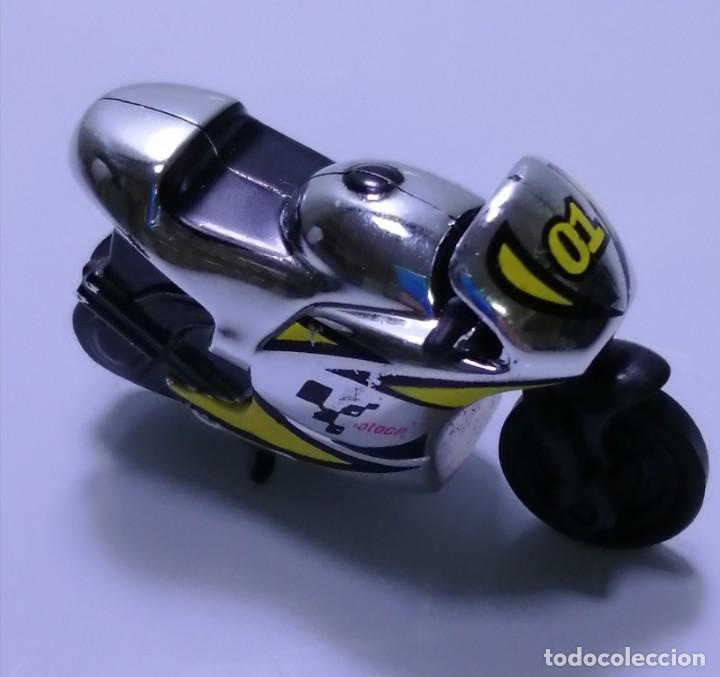 Motos a escala: 4 MICROMOTOS RUEDA DE INERCIA- MOTO GP - REPSOL - STSNLEY MONSTER - WARRIOR - Foto 20 - 228518540