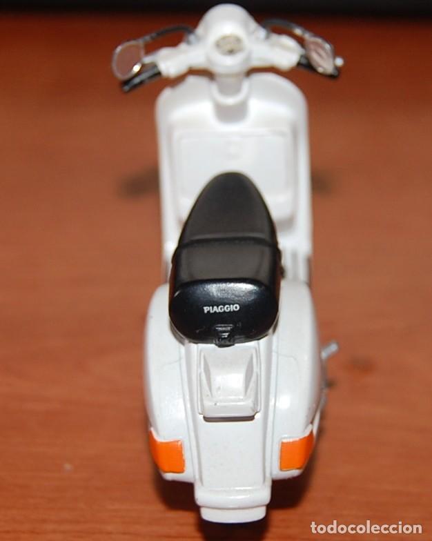 Motos a escala: VESPA MAISTO MODELO PX150 1:18 - Foto 4 - 233517290