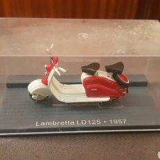 Motos a escala: MOTO LAMBRETTA LD125 1957. Lote 237010180