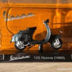 Motos a escala: VESPA 125 NUOVA - 1965 - VESPA COLLECTION RBA, 1/18. Lote 237669705
