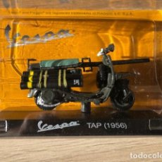 Motos a escala: VESPA TAP - 1956 - VESPA COLLECTION RBA, 1/18. Lote 237669870