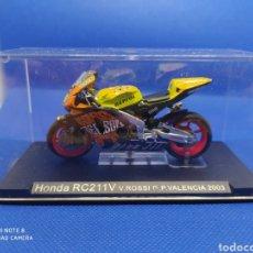 Motos a escala: HONDA RC211V V.ROSSI G.P VALENCIA (2003). Lote 238818060