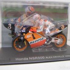 Motos a escala: MOTO CON PILOTO : ALEX CRIVILLE - HONDA NSR500. AÑO 1999- ESCALA 1/24 - CON URNA. - MAQUETA NUEV. Lote 239771595