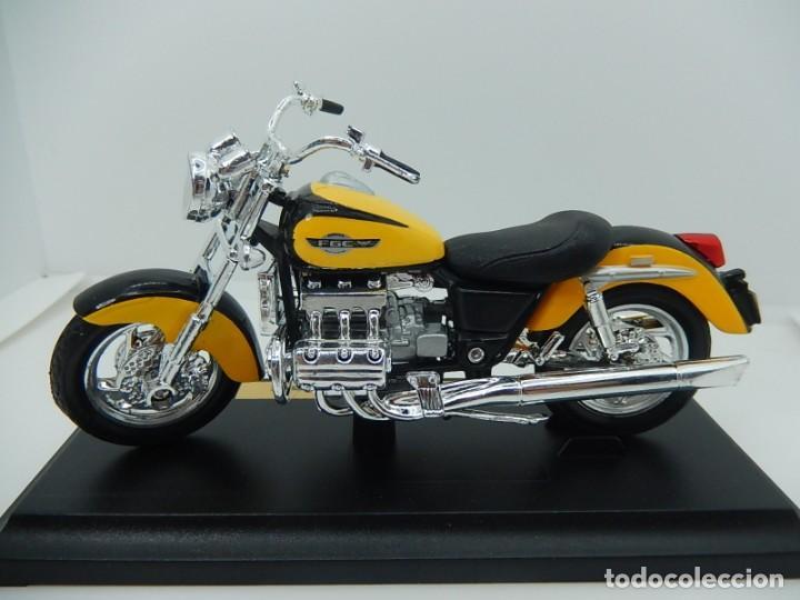 Motos a escala: Moto / Motocicleta. Honda F6C. Maisto. Escala 1:18. - Foto 2 - 241427840