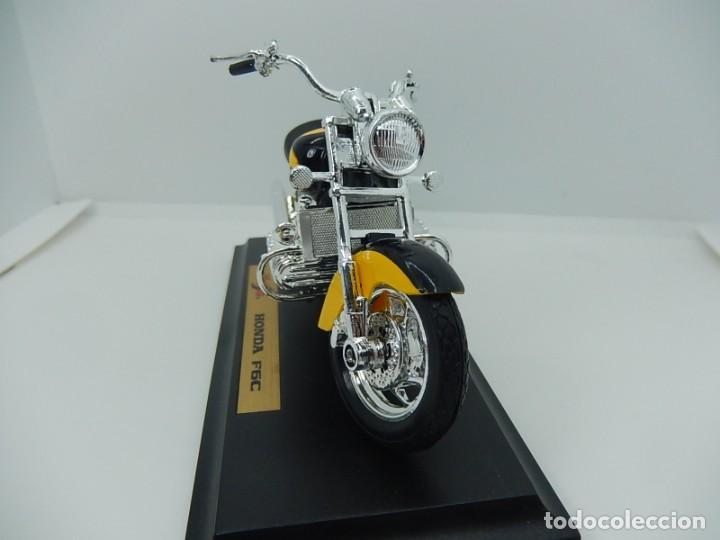 Motos a escala: Moto / Motocicleta. Honda F6C. Maisto. Escala 1:18. - Foto 3 - 241427840