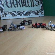 Motos a escala: CINCO MOTOCICLETAS HARLEY DAVIDSON DE MAISTO. Lote 242015215