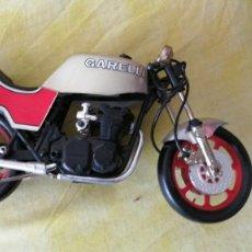 Motos a escala: MOTO MINIATURA METAL Y PLÁSTICO MEDIDAS 21X11. Lote 243860785
