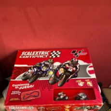 Motos a escala: SCALEXTRIC COMPACT MOTO GP AÑO 2010. VER FOTOS. Lote 244994600