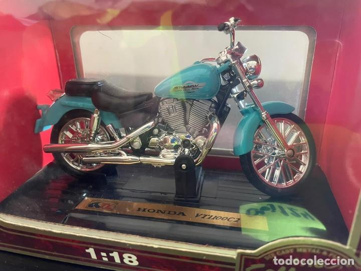 Motos a escala: Moto honda 1-18 sin abrir - Foto 2 - 248485665