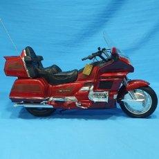 Motos a escala: MOTO HONDA GOLDWING 1500 S.E. DE GUILOY - ESCALA 1/6. Lote 248485960