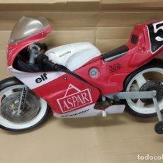 Motos a escala: MOTO CARRERAS ASPAR HONDA 125 COBAS, RÉPLICA ELÉCTRICA, ANTIGUA.. Lote 248812575