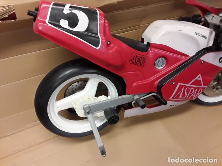 Motos a escala: Moto carreras Aspar honda 125 cobas, réplica eléctrica, antigua. - Foto 6 - 248812575
