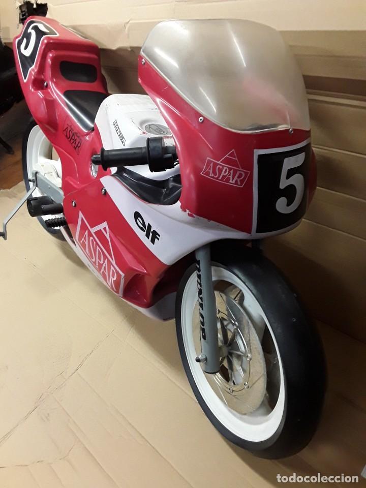 Motos a escala: Moto carreras Aspar honda 125 cobas, réplica eléctrica, antigua. - Foto 9 - 248812575
