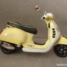 Motos a escala: MOTOCICLETA A ESCALA - * VESPA GTS 300 SUPER * . LEER ANUNCIO.. Lote 254539240