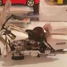 Motos in scale: MOTO HARLEY DAVIDSON POLICE ANTIGUA 24 CM LARGO 16 CM ALTO. Lote 257556745
