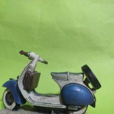 Motos in scale: MOTO VESPA DECORATIVA MUY BONITA. Lote 259908050