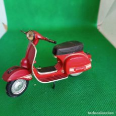 Motos in scale: VESPA RALLY 200 ELECTRONIC MAISTO. Lote 260091740