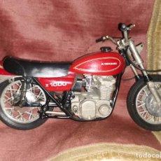 Motos a escala: MAQUETA MOTO KAWASAKI Z1000. MARCA GUILOY. AÑOS 80. Lote 260606590