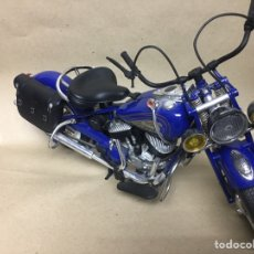 Motos in scale: MOTO A ESCALA INDIA CHIEF 1/6 MADE IN CHINA 1998. Lote 262219685
