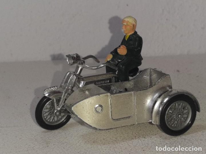 Motos a escala: MATCHBOX LESNEY : ANTIGUA MOTO SIDECAR SUNBEAM 1917 - MODELS OF YESTERYEAR - MADE IN ENGLAND AÑOS 60 - Foto 8 - 262768340