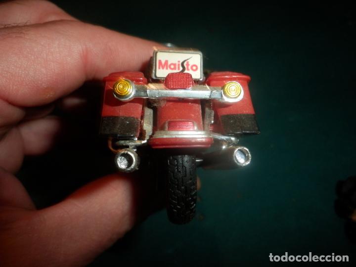 Motos a escala: MOTO HARLEY DAVIDSON ROAD KING - MAISTO- MOTOCICLETA COLOR GRANATE/ROJO O SIMILAR - Foto 6 - 262844210