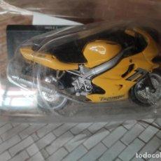 Motos a escala: MOTO TRIUMPH 600. DE MAISTO, ESCALA 1/18, NUEVA. Lote 269496918