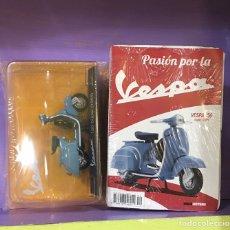 Motos a escala: FIGURA VESPA 150 SUPER 1965 ESCALA 1:18. Lote 269602208