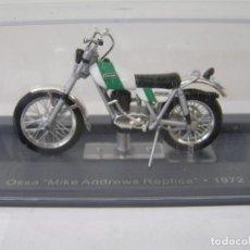 Motos a escala: MAQUETA DE MOTO: OSSA MIKE ANDREWS . AÑO 1972 (MOTOCROS) ESCALA 1/24 . NUEVA - CON URNA. -. Lote 278217598