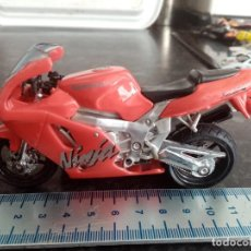 Motos a escala: MAISTO MOTOCICLETA KAWASAKI ZXR NINJA SIN SOPORTE LOTE MOTO COCHE NO MAJORETTE MATCHBOX GUISVAL. Lote 278366683