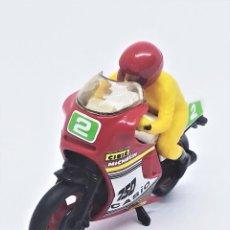 Motos a escala: MOTO DE CARRERAS HONDA 750 CASIO DE GUISVAL MOTOS FURIA REF 11005 ESCALA 1:22 95 MM 2 MICHELIN CIBIÉ. Lote 287468253