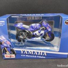 Motos à l'échelle: YAMAHA #25 MAVERICK VIÑALES 1/18 BBURAGO. Lote 287660908