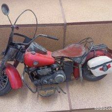 Motos a escala: ANTIGUA MOTO DE CHAPA HARLEY DAVISON. Lote 289852713