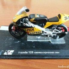 Motos a escala: HONDA 125 ANDREA DOVIZIOSO 2004 1/24 TAL COMO SE VE. Lote 289884048