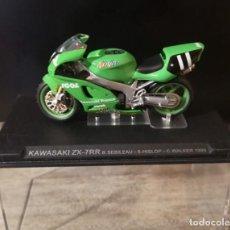 Motos a escala: KAWASAKI - ZX-7RR N 11 NINJA 1999 B.SEBILEAU - S.HISLOP - C.WALKER MOTO ESCALA 1:24. Lote 295370633