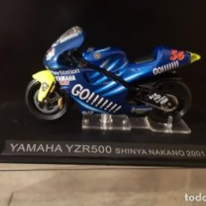 Motos a escala: YAMAHA YZR 500 SHINYA NAKANO 2001 MOTO ESCALA 1:24. Lote 295372798