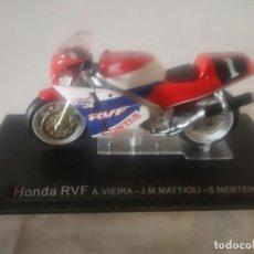 Motos a escala: HONDA RVF A. VIERIRA - J.M MATTIOLI - S. MERTENS MOTO ESCALA 1:24. Lote 295512143