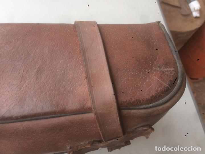 Motos: Antigua mochila / bolsa de cuero para moto de los años 40 con cierres de hebilla - Foto 7 - 85299352