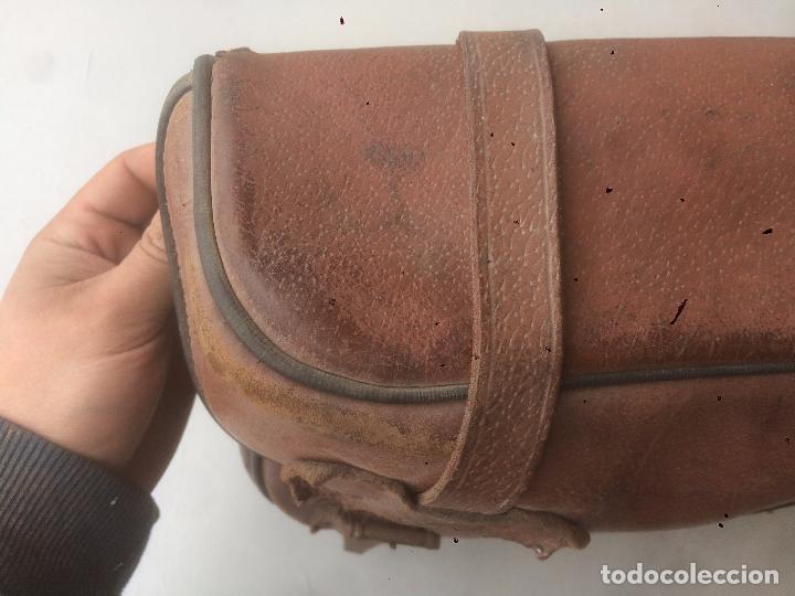 Motos: Antigua mochila / bolsa de cuero para moto de los años 40 con cierres de hebilla - Foto 10 - 85299352