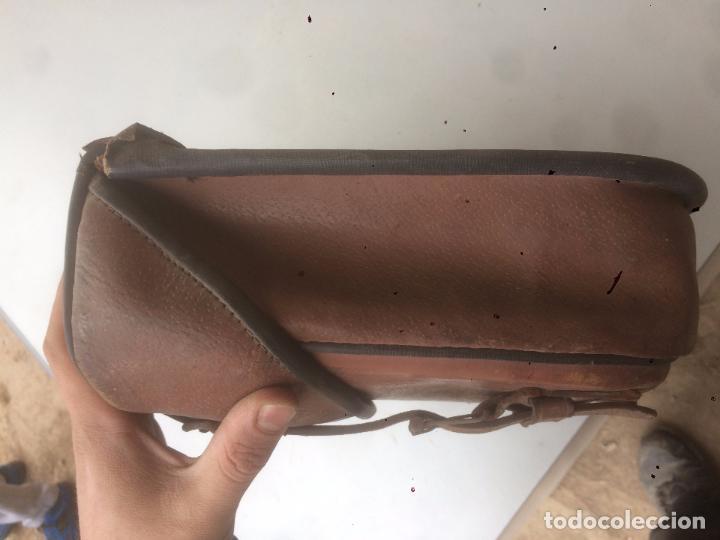 Motos: Antigua mochila / bolsa de cuero para moto de los años 40 con cierres de hebilla - Foto 12 - 85299352