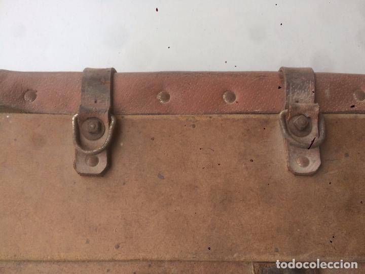 Motos: Antigua mochila / bolsa de cuero para moto de los años 40 con cierres de hebilla - Foto 15 - 85299352