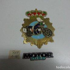 Motos: CHAPA , PLACA METALICA DE POLICIA NACIONALAÑOS 80. Lote 130366490