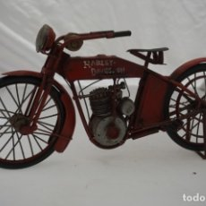 Motos: ANTIGUA MAQUETA HARLEY DAVISON / HIERRO. Lote 179948467