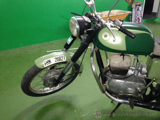 OSSA 160. RESTAURADA. DEL PARQUE MOVIL MINISTERIAL. MISMO MODELO UTILIZADOS POR LA GUARDIA CIVIL. (Coches y Motocicletas - Motocicletas Clásicas (a partir 1.940))