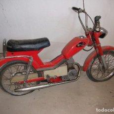 Motos: MOTOCICLETA ANTIGUA MOTOR HISPANIA 49 CM. COLOR ROJO, PARA RESTAURAR. CANGURITO. Lote 82197300