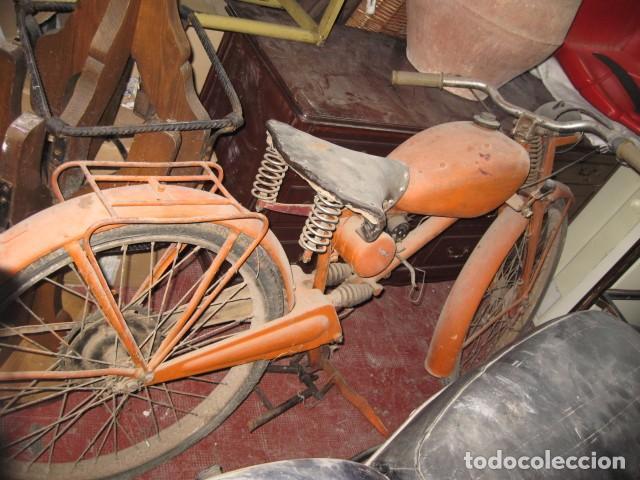 ANTIGUA MOTO GUZZI COLOR NARANJA CAMBIO MANUAL, PARA RESTAURAR. (Coches y Motocicletas - Motocicletas Clásicas (a partir 1.940))