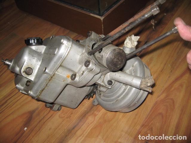 Motos: Antigua moto Guzzi color naranja cambio manual, para restaurar. - Foto 8 - 82758576