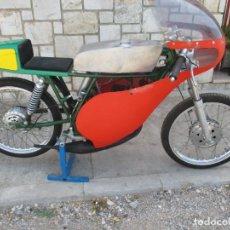 Motos: MOTOCICLETA PARA COMPETICION DE CLASICAS 80 CC MINARELLI - RIEJU 6 VELOCIDADES. Lote 169269632