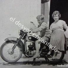 Motos: MOTOCICLETA OSSA. FOTO TAMAÑO POSTAL ORIGINAL AÑOS 1960S. Lote 187330080
