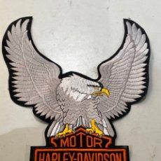 Motos: PARCHE MOTOR HARLEY DAVIDSON CICLES ÁGUILA BORDADA MIDE 35X25. Lote 254708155