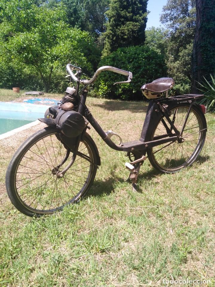 FANTÀSTICO VELOSOLEX PRIMERA EDICIÓN PARA RESTAURAR PERO COMPLETO A EXCEPCIÓN DEL FARO POR SÓLO 350 (Coches y Motocicletas - Motocicletas Clásicas (a partir 1.940))